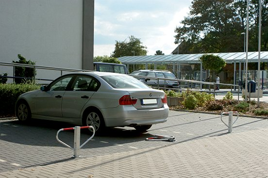 Parkplatzsperre umlegbar 70x70 1