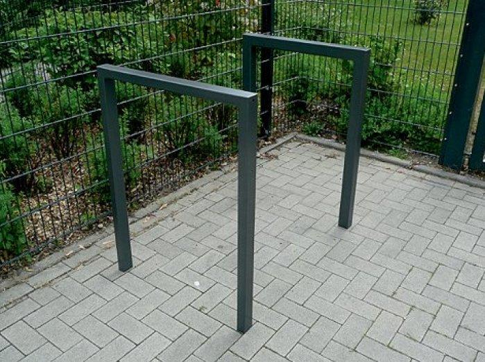 Anlehnbügel aus Stahlrohr - ohne Querholm