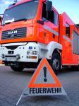 """Achtungszeichen mit Aufschrift """"Feuerwehr"""""""